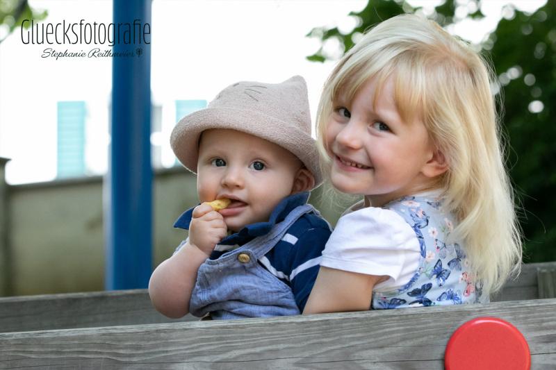 geschwisterfotos-geschwisterfoto-paerchenfoto-gluecksfotografie