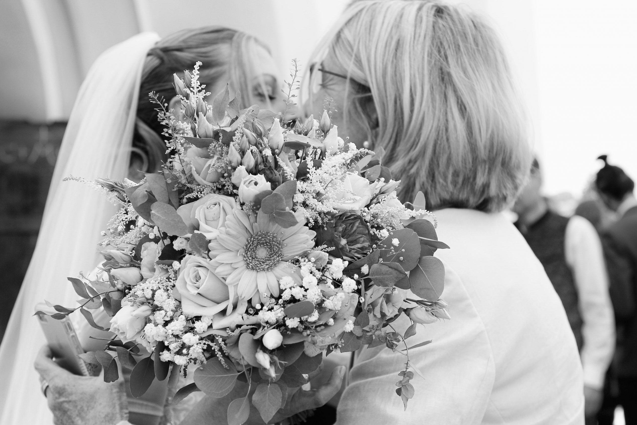 Brautmutter und Braut